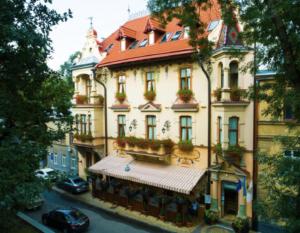 Chopin HotelOpens in new window Chopin Hotel